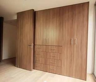 Closets para rec mara acorde for Imagenes de buros para recamara