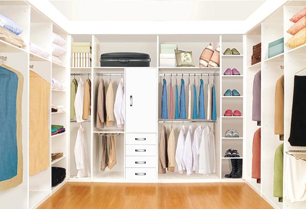 Vestidor acorde for Diseno de interiores closets modernos