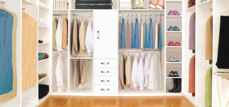 Closets acorde for Closet en madera para habitaciones