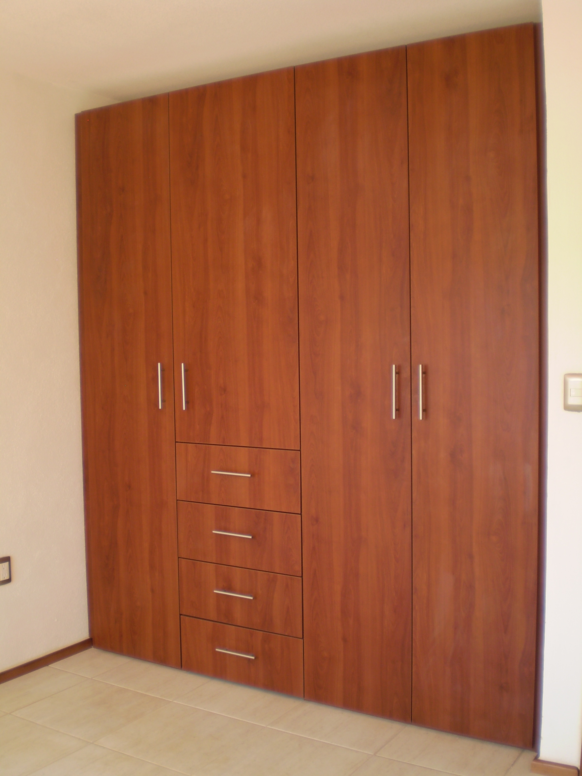 Exito muebles closet for Closet para habitaciones
